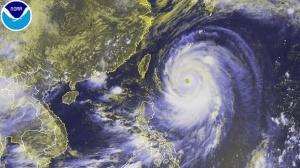 super-taifun-neoguri-rast-auf-japan-zu